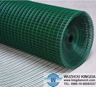 Green wire mesh roll