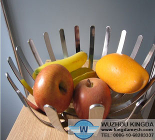 Metal wire fruit bowl
