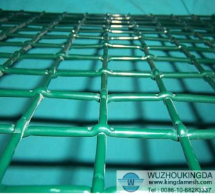 Plastic coated crimped wire mesh