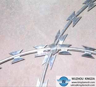 Stainless steel razor barbed wire coil
